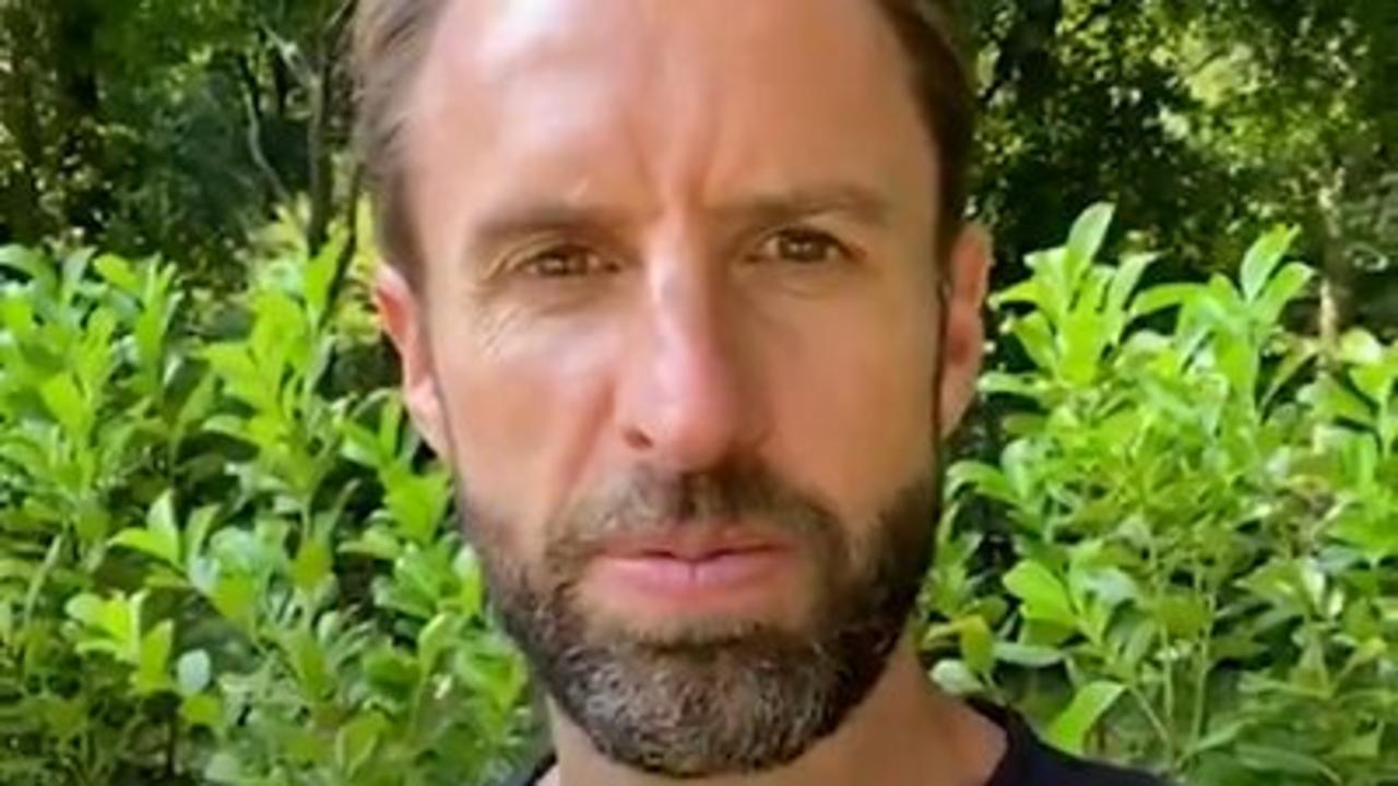 Southgate urges youngsters to get jab