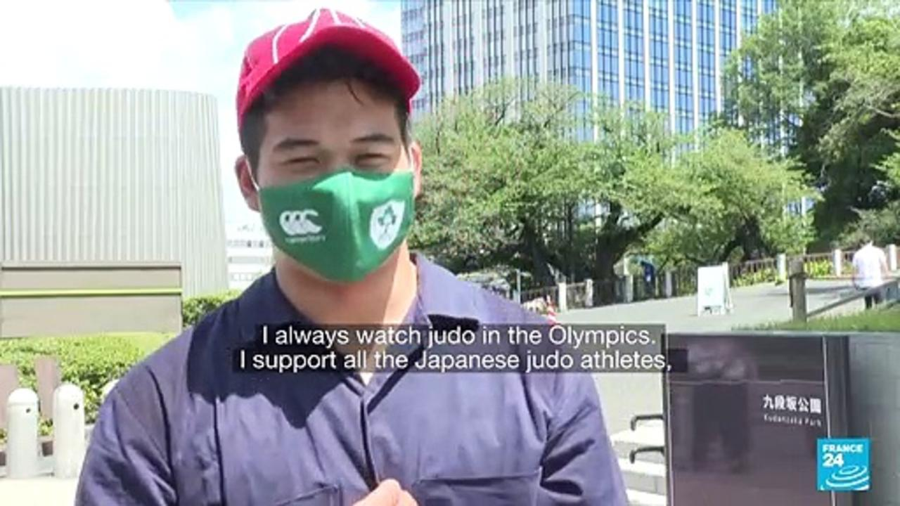 Japanese fans celebrate five gold Olympic medals