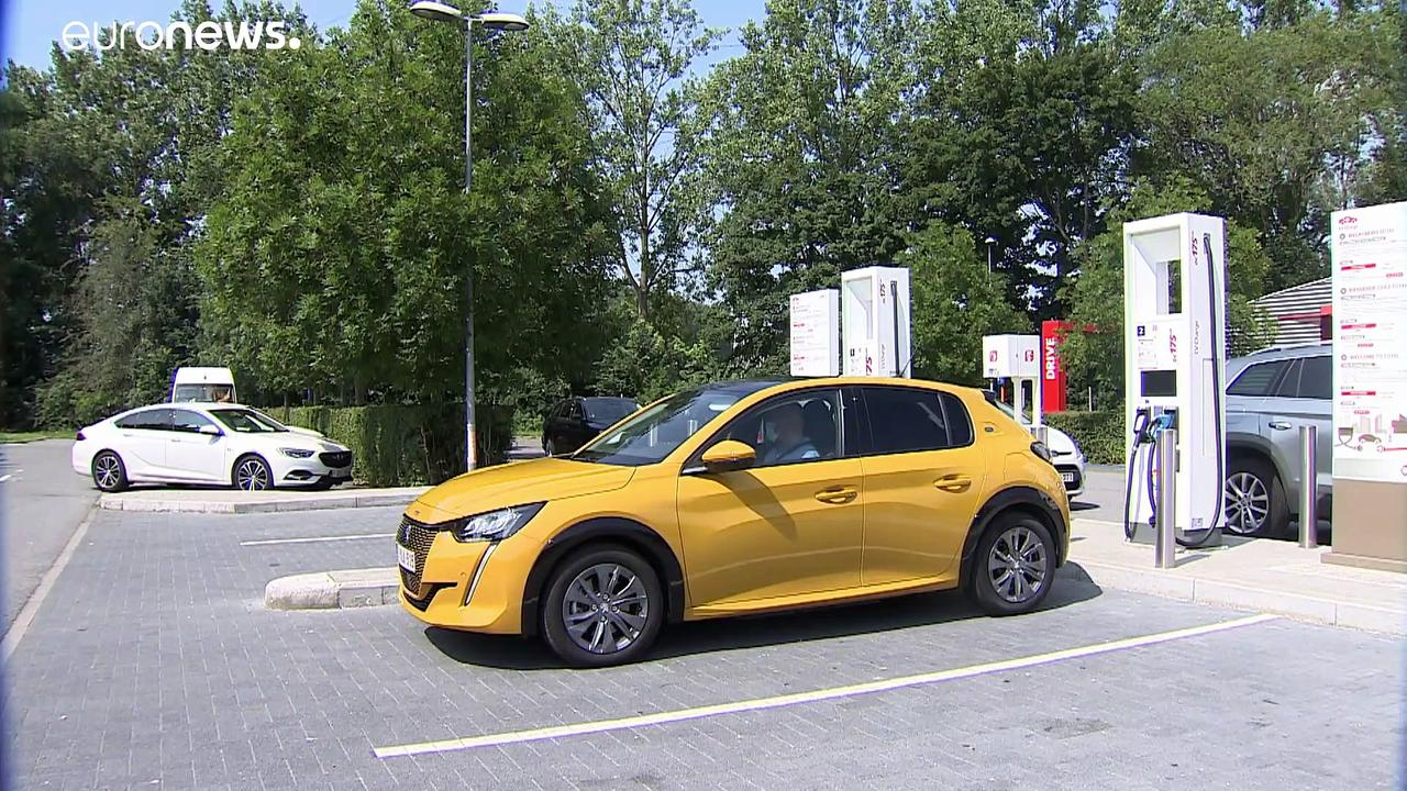 Brussels to install 11,000 electric charging stations by 2035