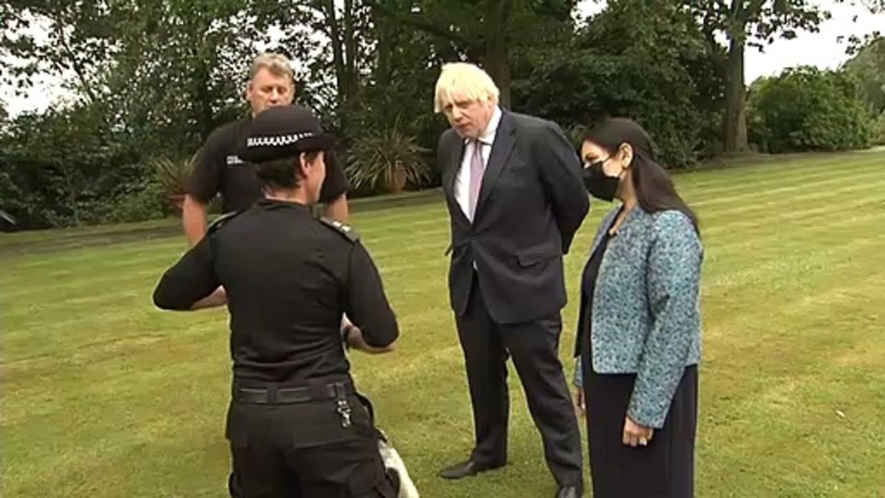 PM plans hi-vis 'chain gangs' to fight anti-social behaviour