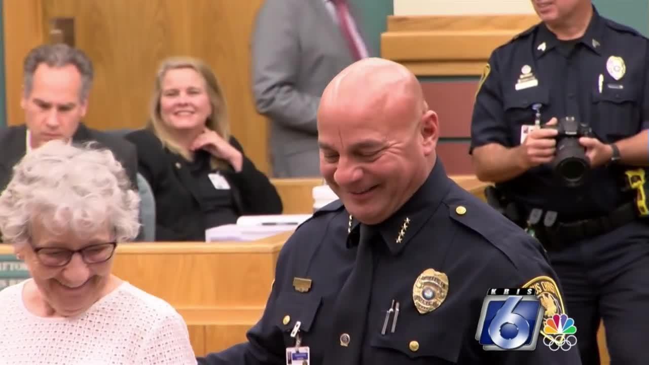 Mike Markle sworn back in as police chief