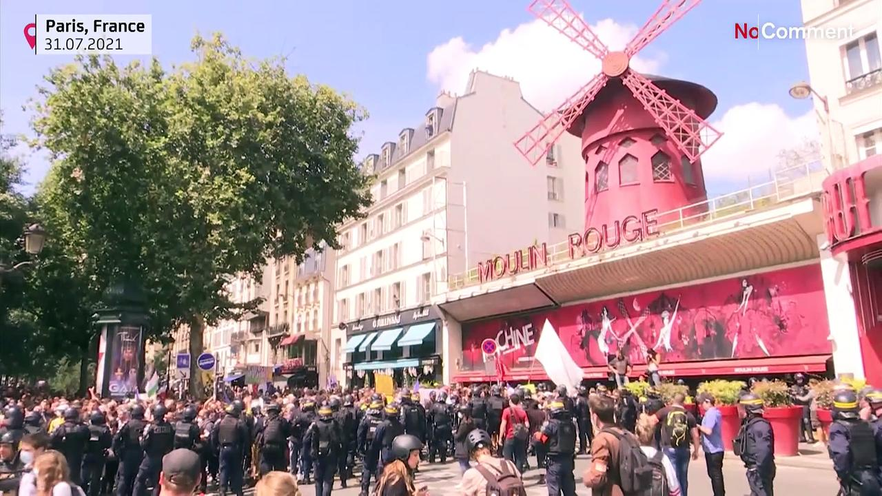 Thousands in Paris protest incoming virus pass