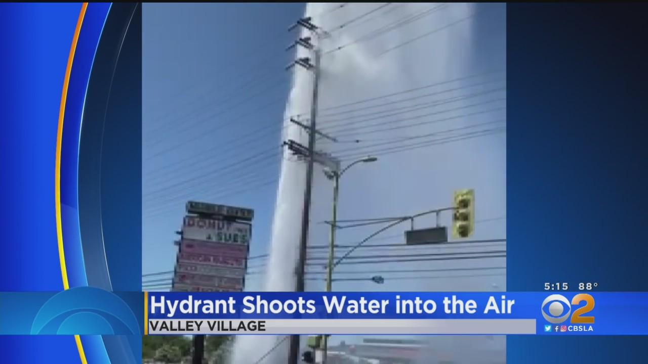 Vehicle Accident Collides With Fire Hydrant In Valley Village