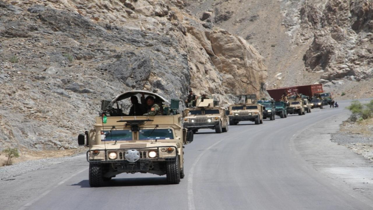 Afghan president presents security plan with no details