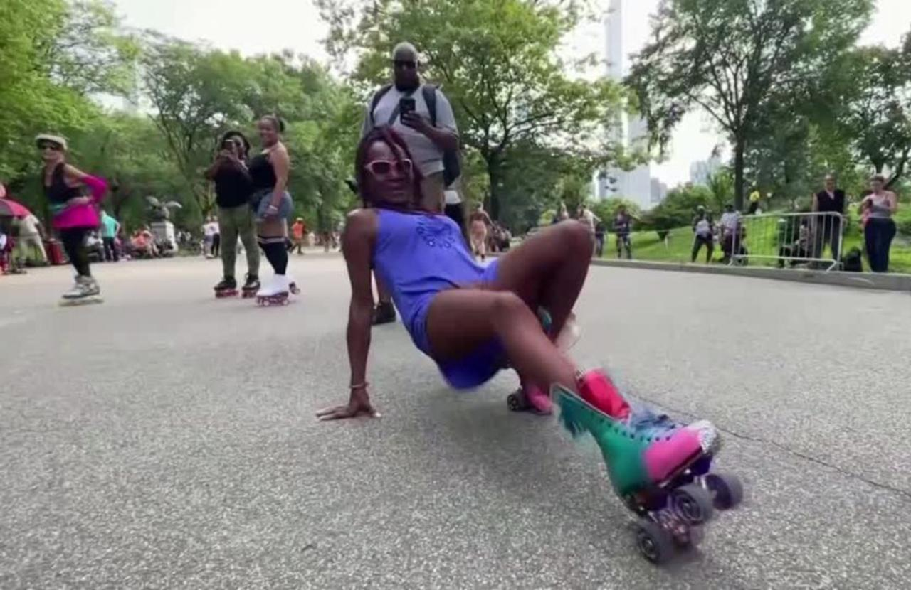 New Yorkers skate off the stress of 2020