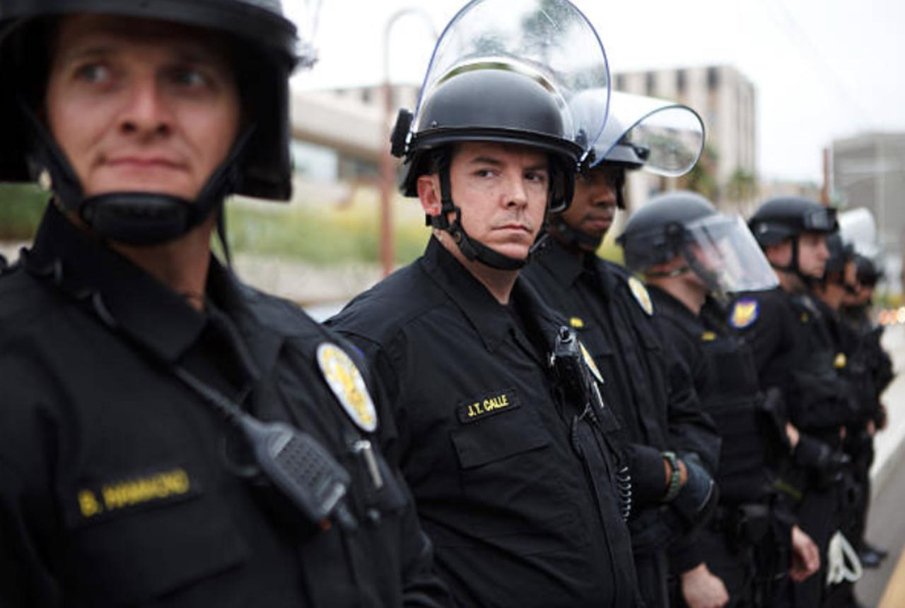Justice Dept. Will Investigate Phoenix Police Over Use of Force