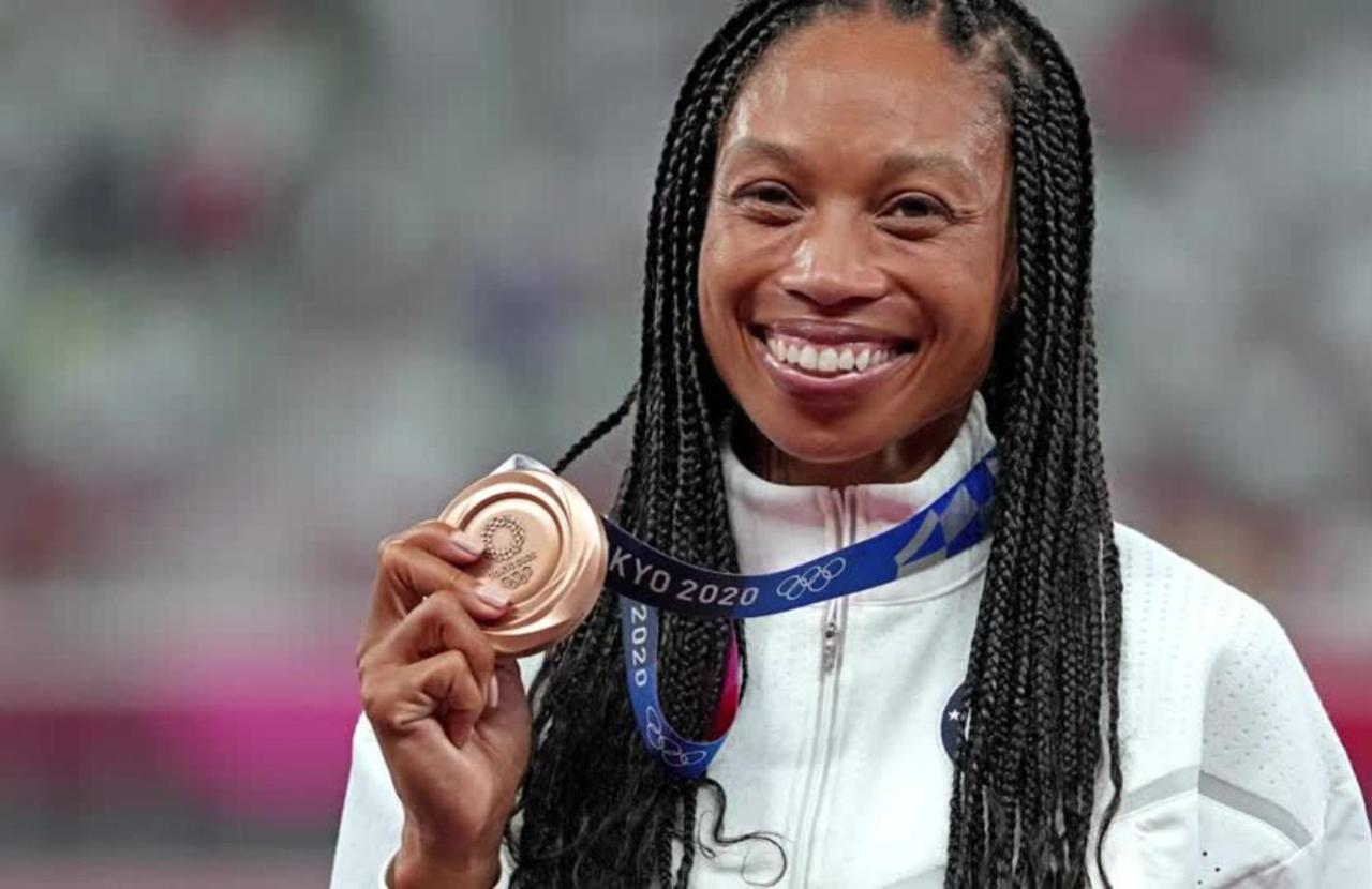 Simply 'amazing' Felix claims record 10th medal