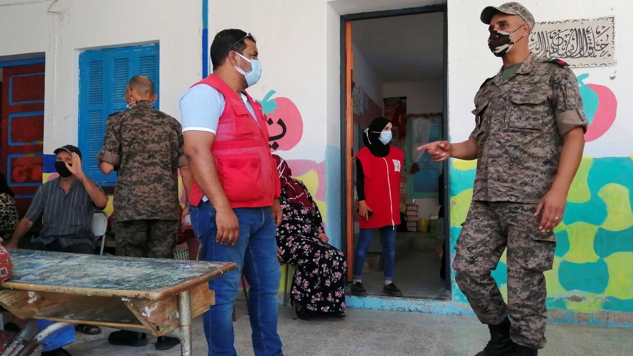 Tunisia launches mass vaccination campaign against COVID-19