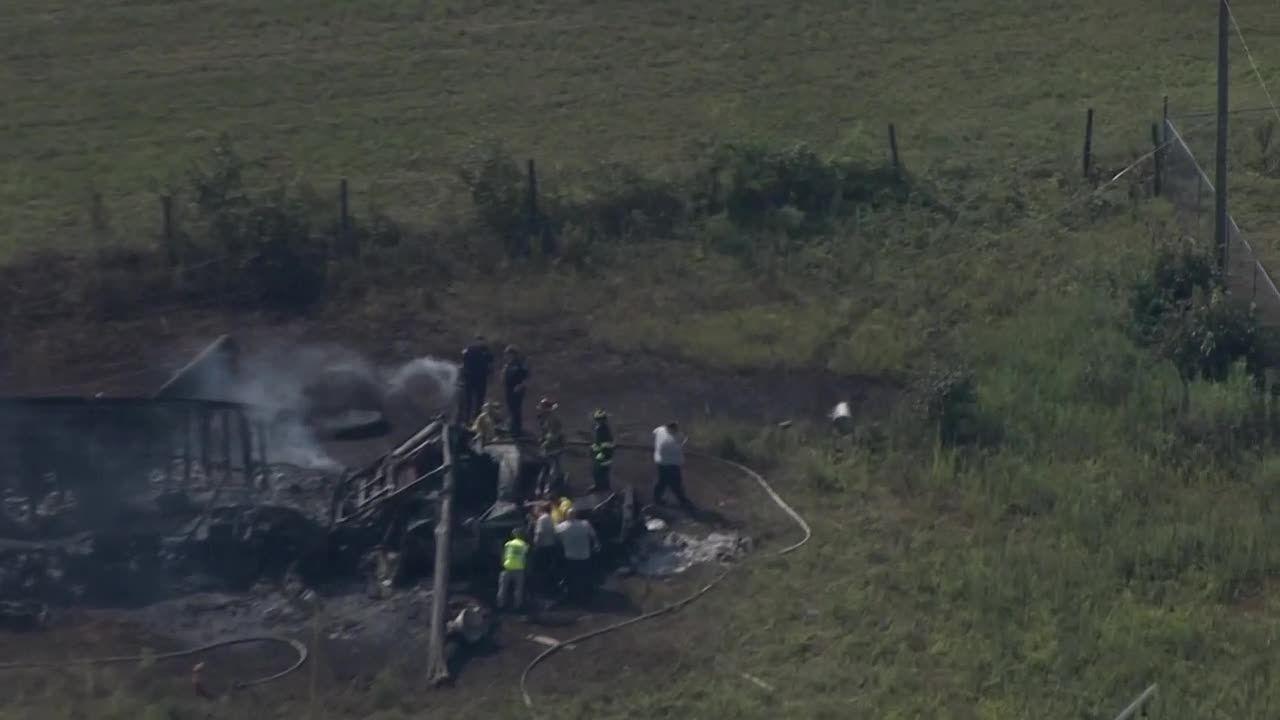 18-wheeler goes off I-85, killing driver
