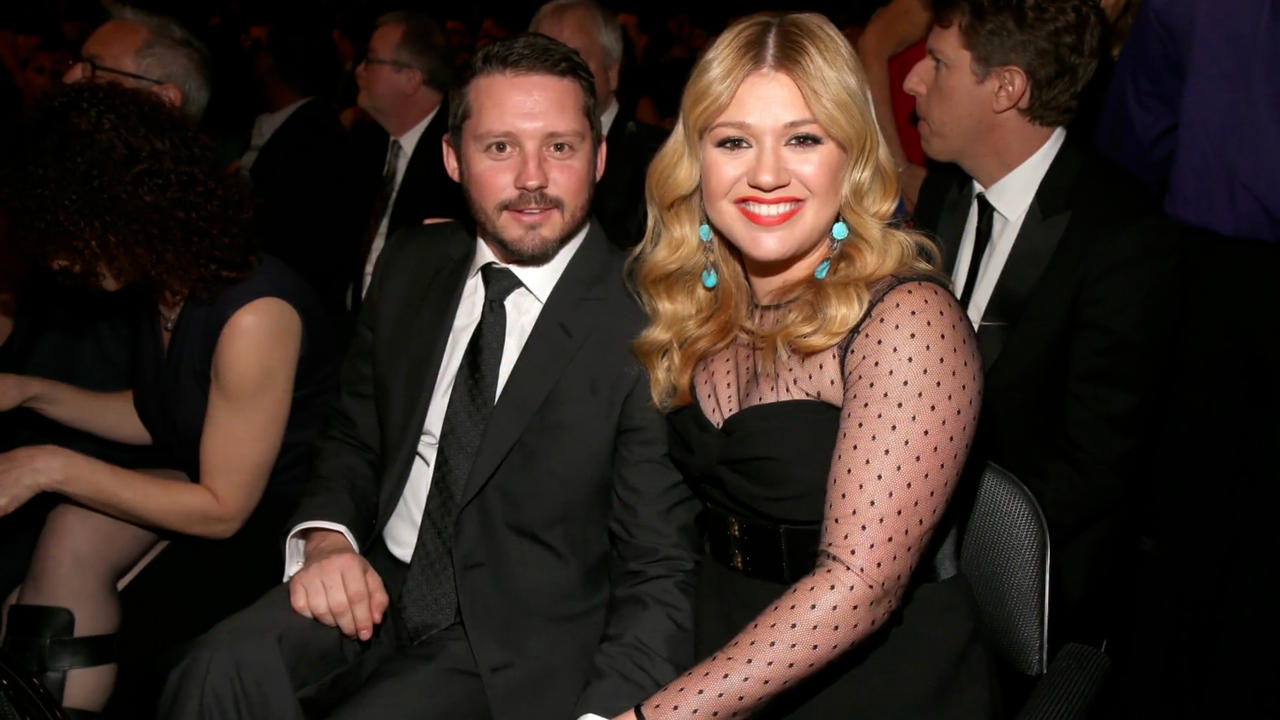 Kelly Clarkson reportedly asks divorce judge to restore last name