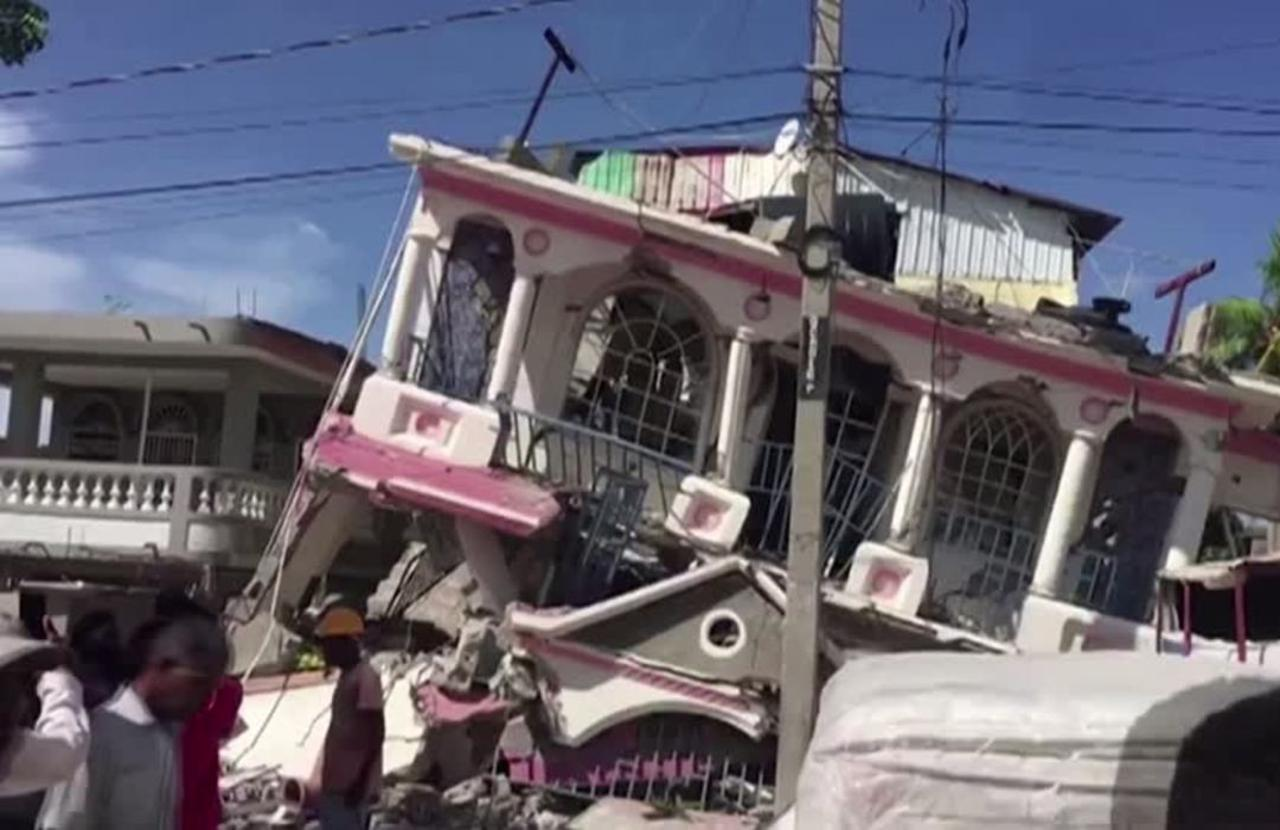 Quake kills hundreds in Haiti