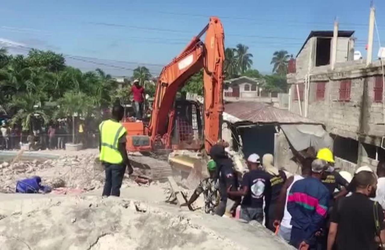 Death toll from Haiti quake soars, U.S. sends aid