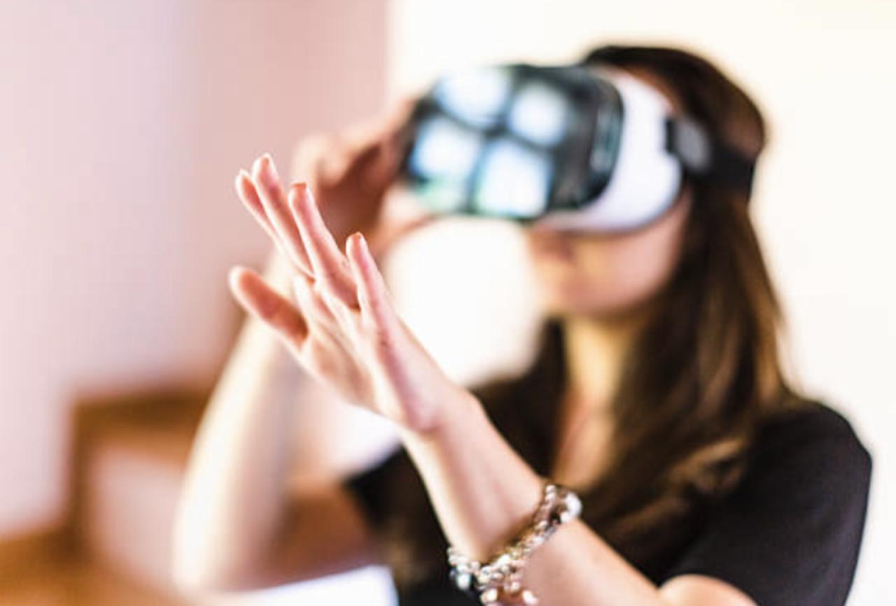Facebook's New Remote Work VR App Is Step Towards 'Metaverse'