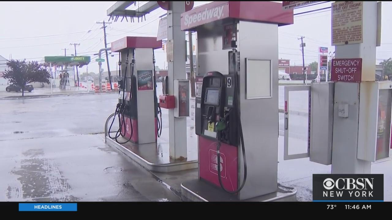 Nassau Residents Scramble To Stock Up On Gas