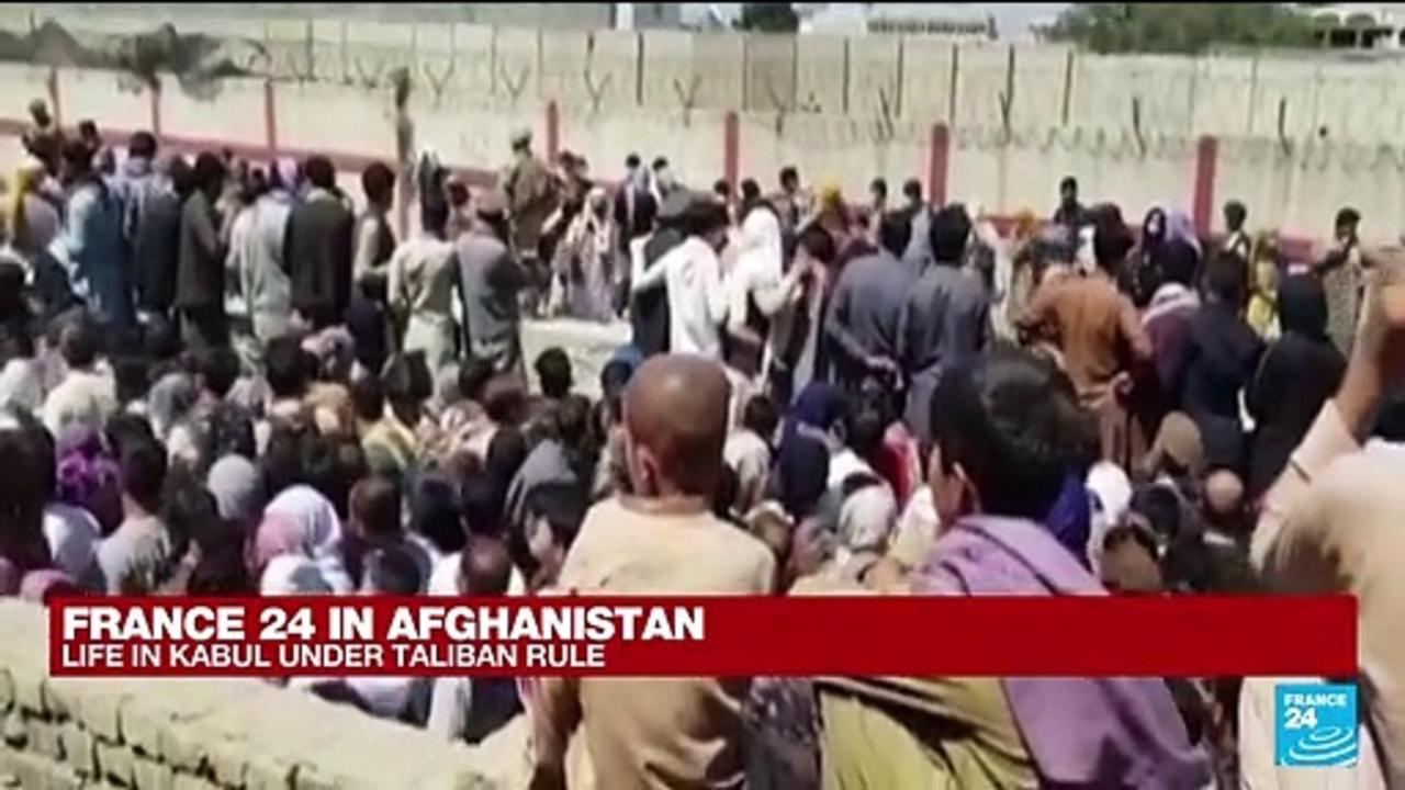 FRANCE 24 in Kabul: Taliban declare route to airport only open to foreigners