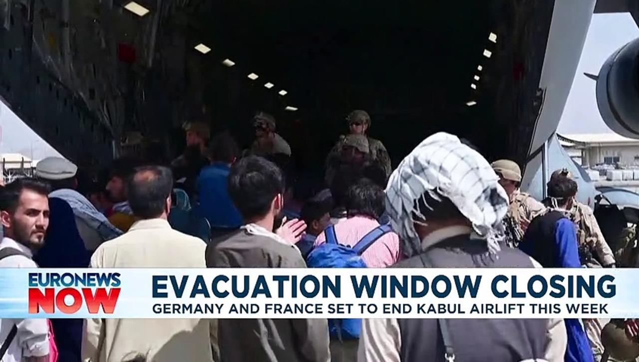 'Window of opportunity for evacuations is closing', German defence minister says
