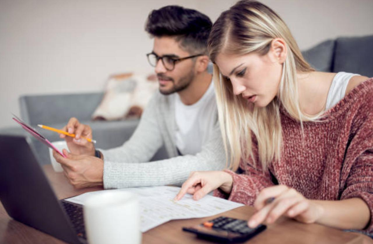The Best Ways to Cut the Cost of Your Monthly Bills