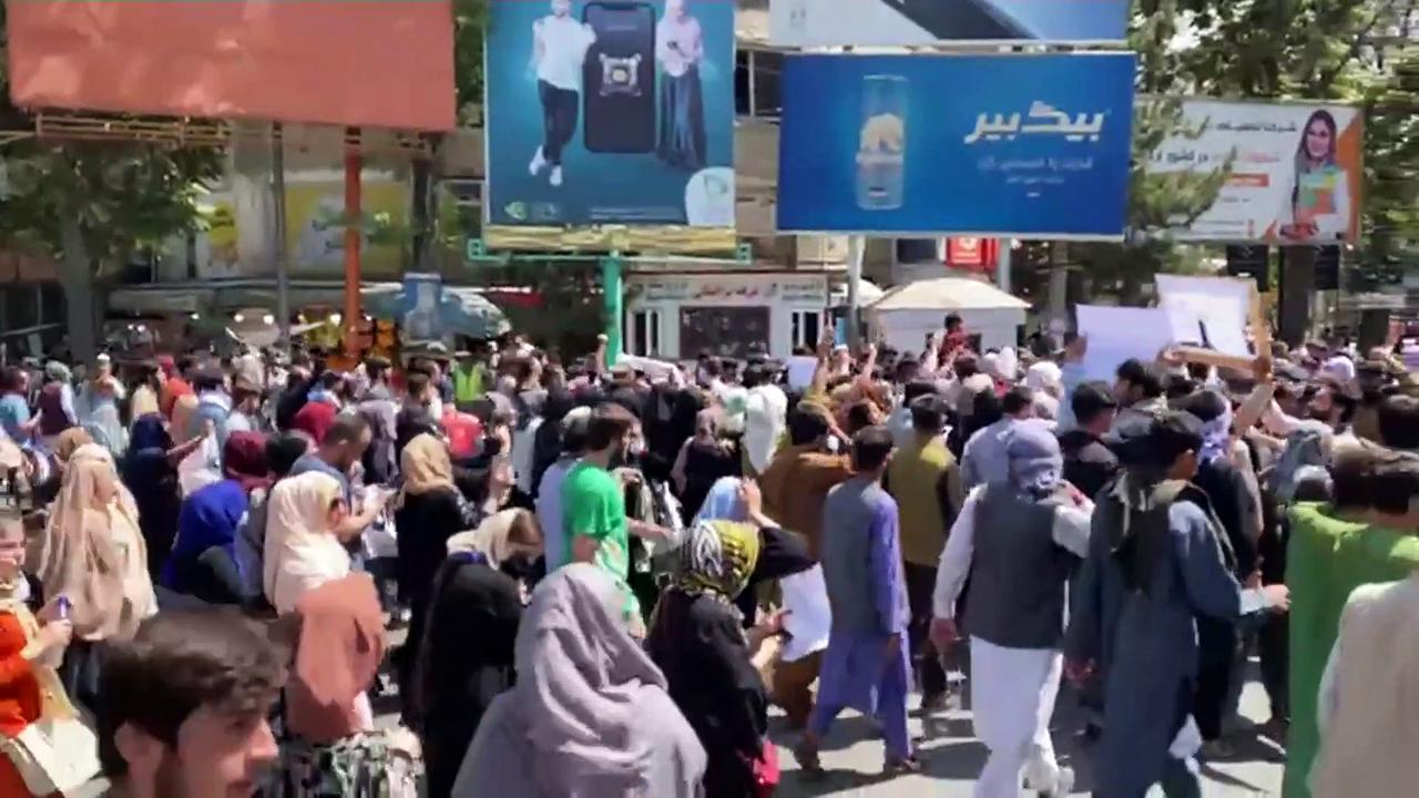 Warning shots fired amid protest march in Kabul