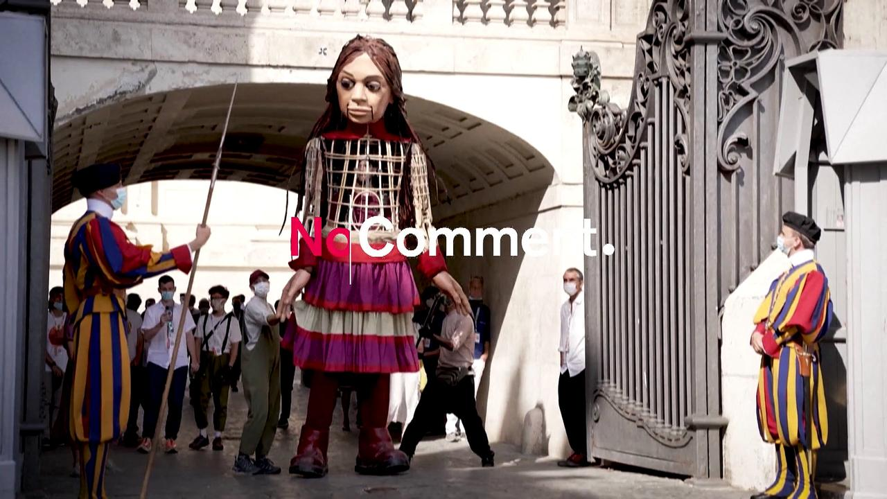 Puppet depicting young refugee girl continues European journey with a visit to St Peter's Square