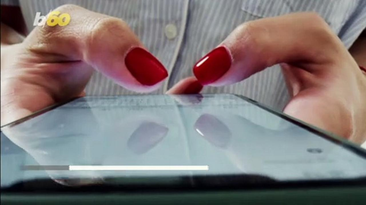 Fixing Your Cracked or Scratched Smartphone Screen With Toothpaste