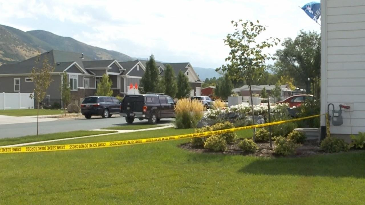 Suspect dead after holding hostages in Farmington