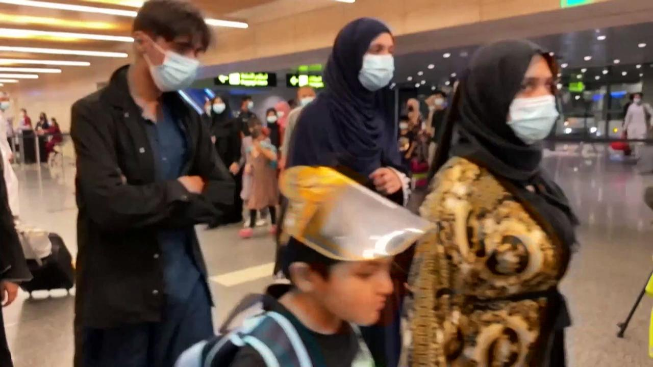 More Afghans and foreigners flee as humanitarian situation worsens
