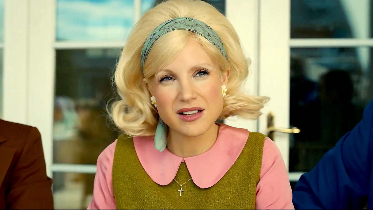 The Eyes of Tammy Faye with Jessica Chastain | 'Who Is He Fighting?' Clip