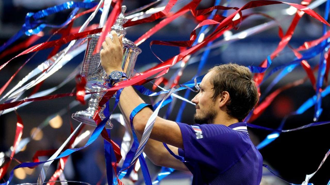Medvedev defeats Djokovic in US Open men's final