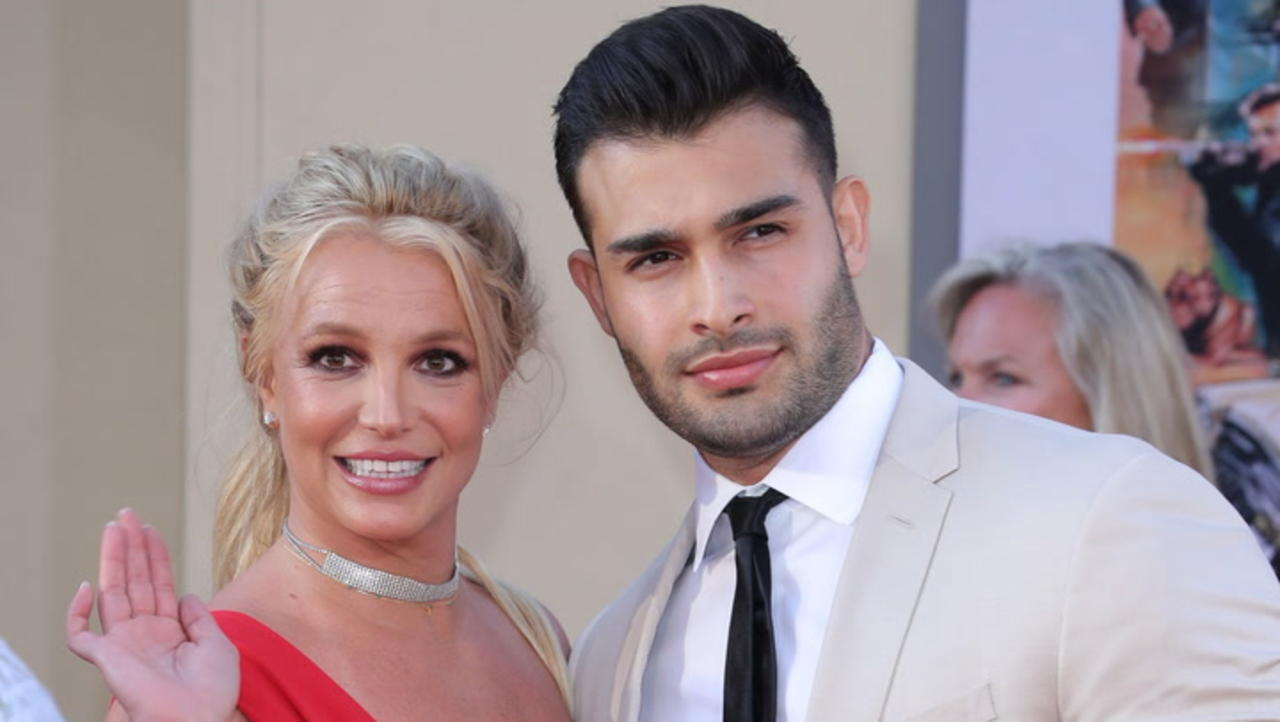 Britney Spears Engaged To Bf Sam Asghari & Gushes She 'Can't Believe It'