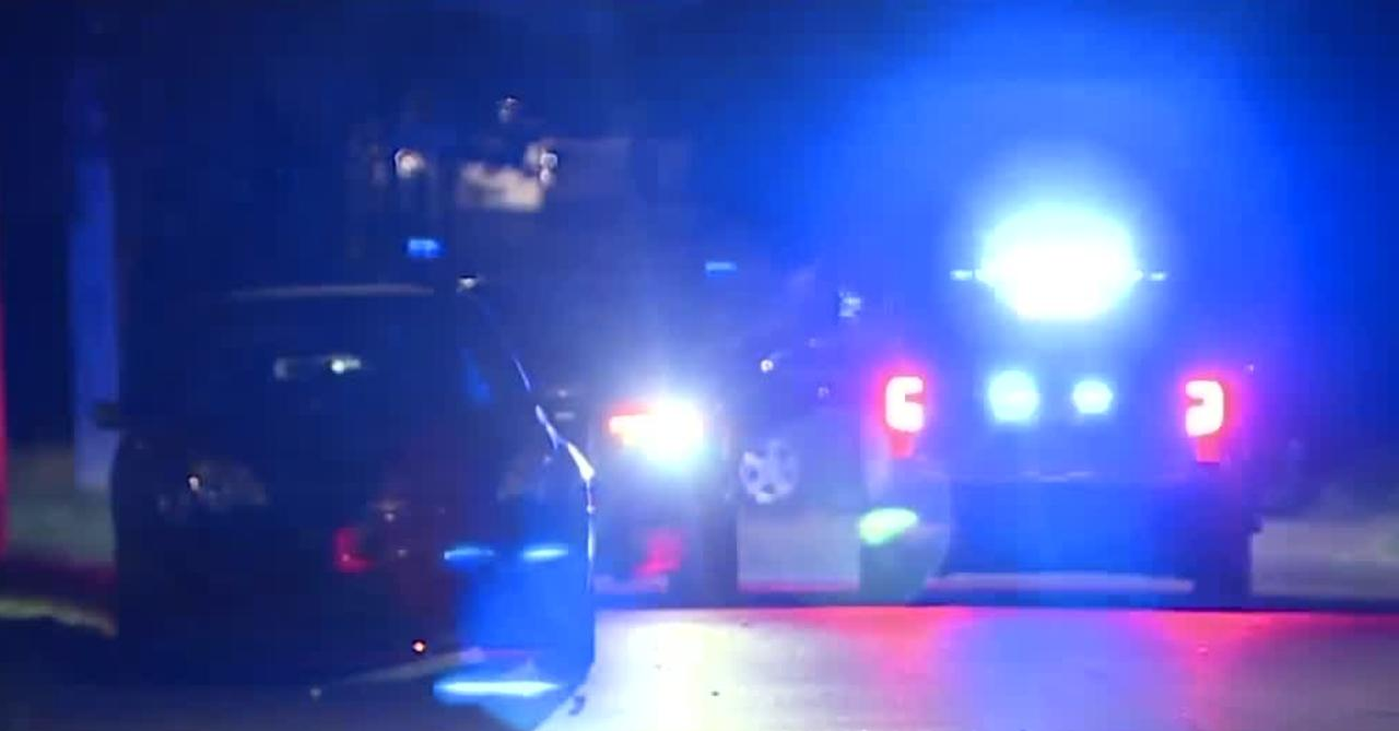 2 dead, 4 injured after drive-by shooting on Detroit's east side