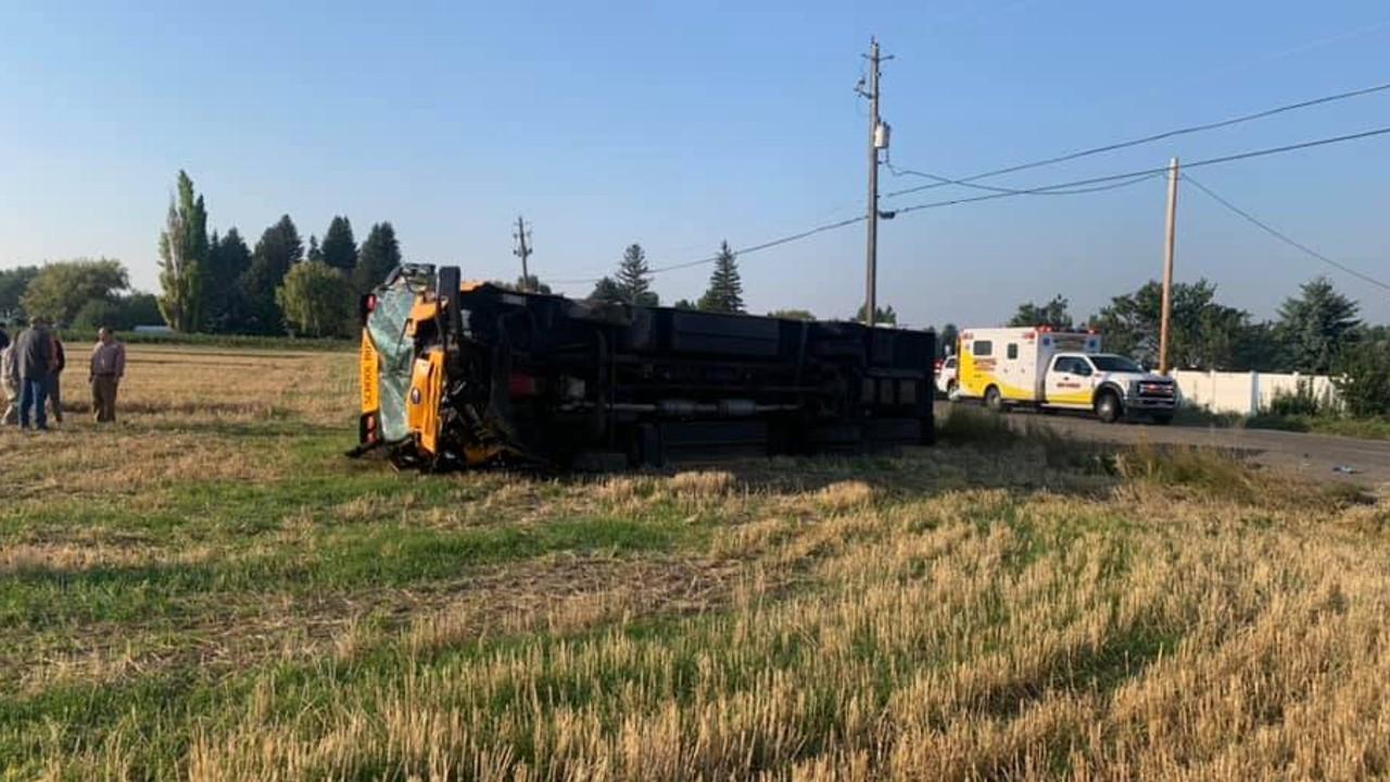 Man killed, 4 children injured in Idaho school bus crash