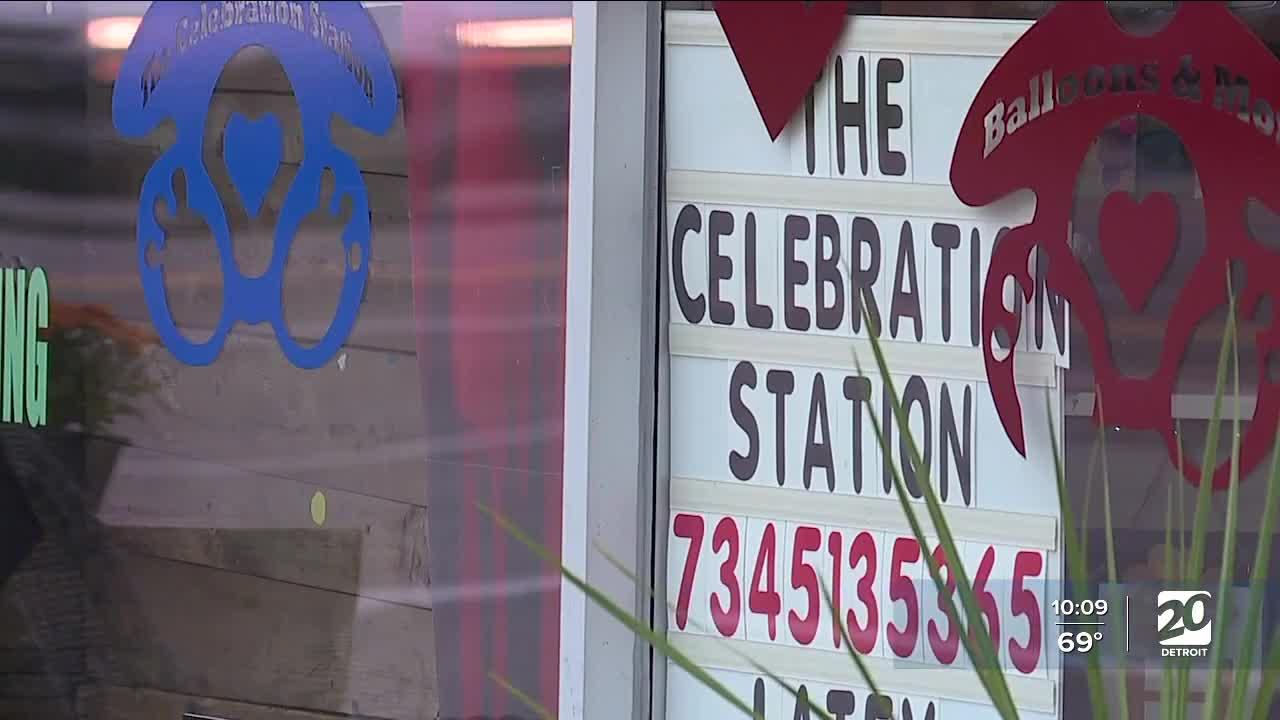 Search for thieves who robbed Livonia balloon shop
