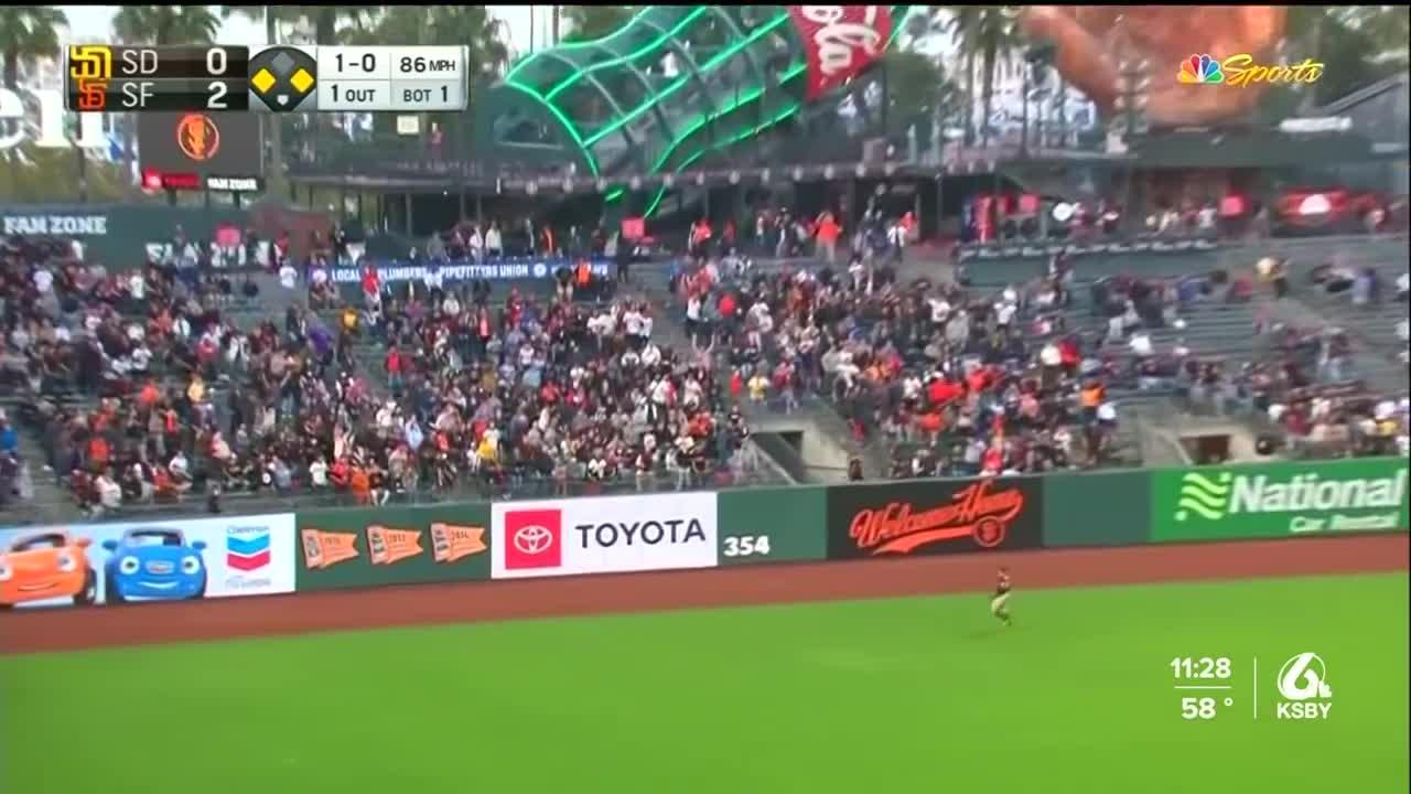 Giants clinch a playoff berth with 9-1 victory over Padres