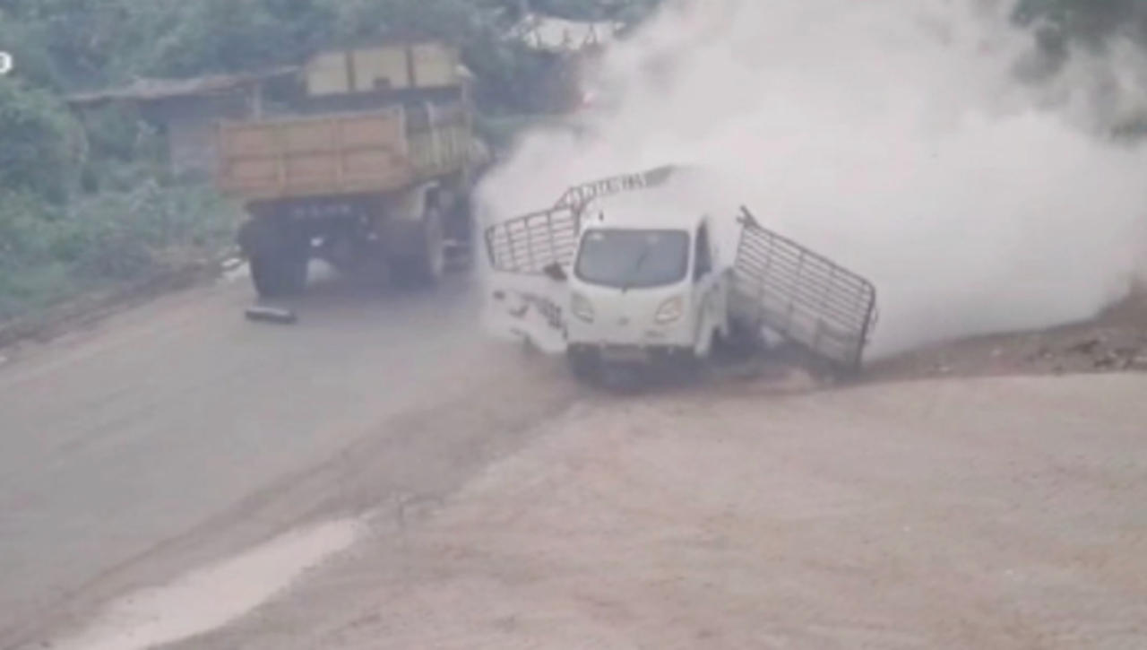 Video Caught Moment Truck Explodes While Carrying Oxygen Tanks