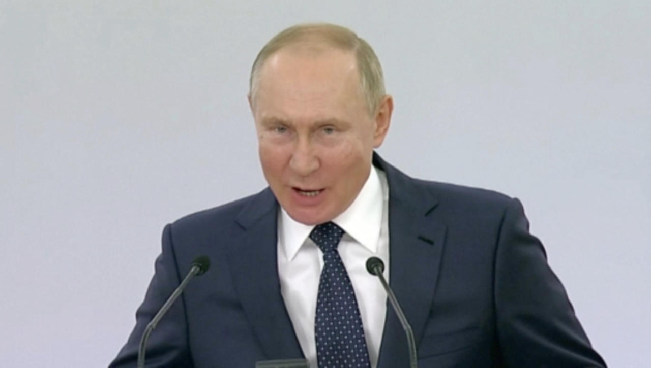Putin Self-Isolates after Inner Circle Gets Infected with COVID-19