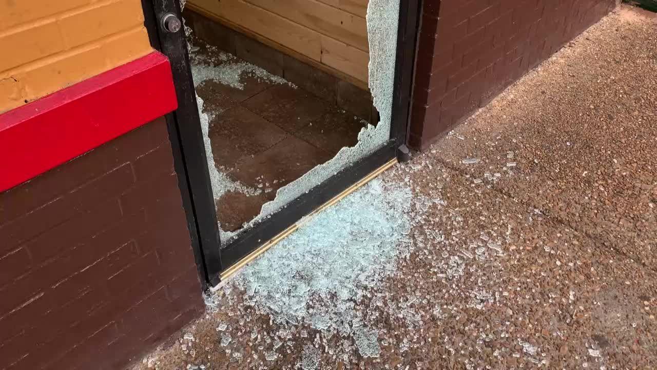 JPD investigates restaurant burglary