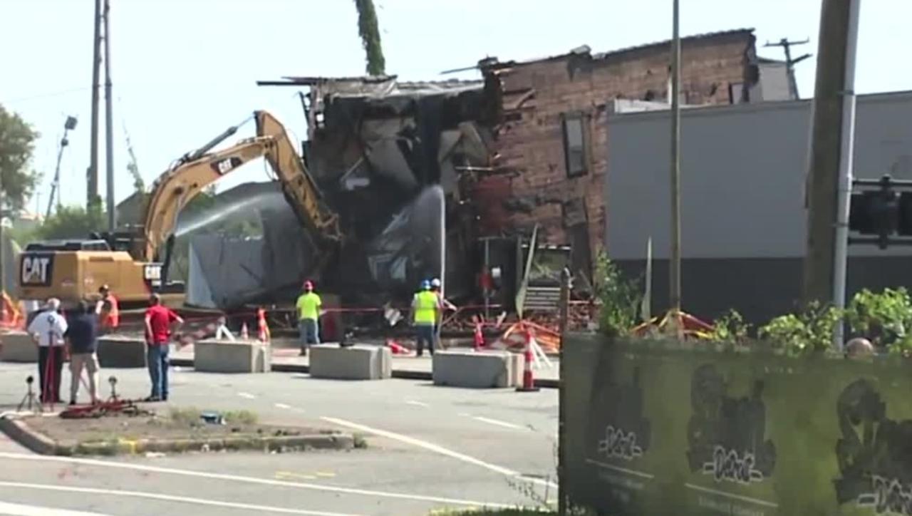Crews demolish building damaged by underground issue in southwest Detroit