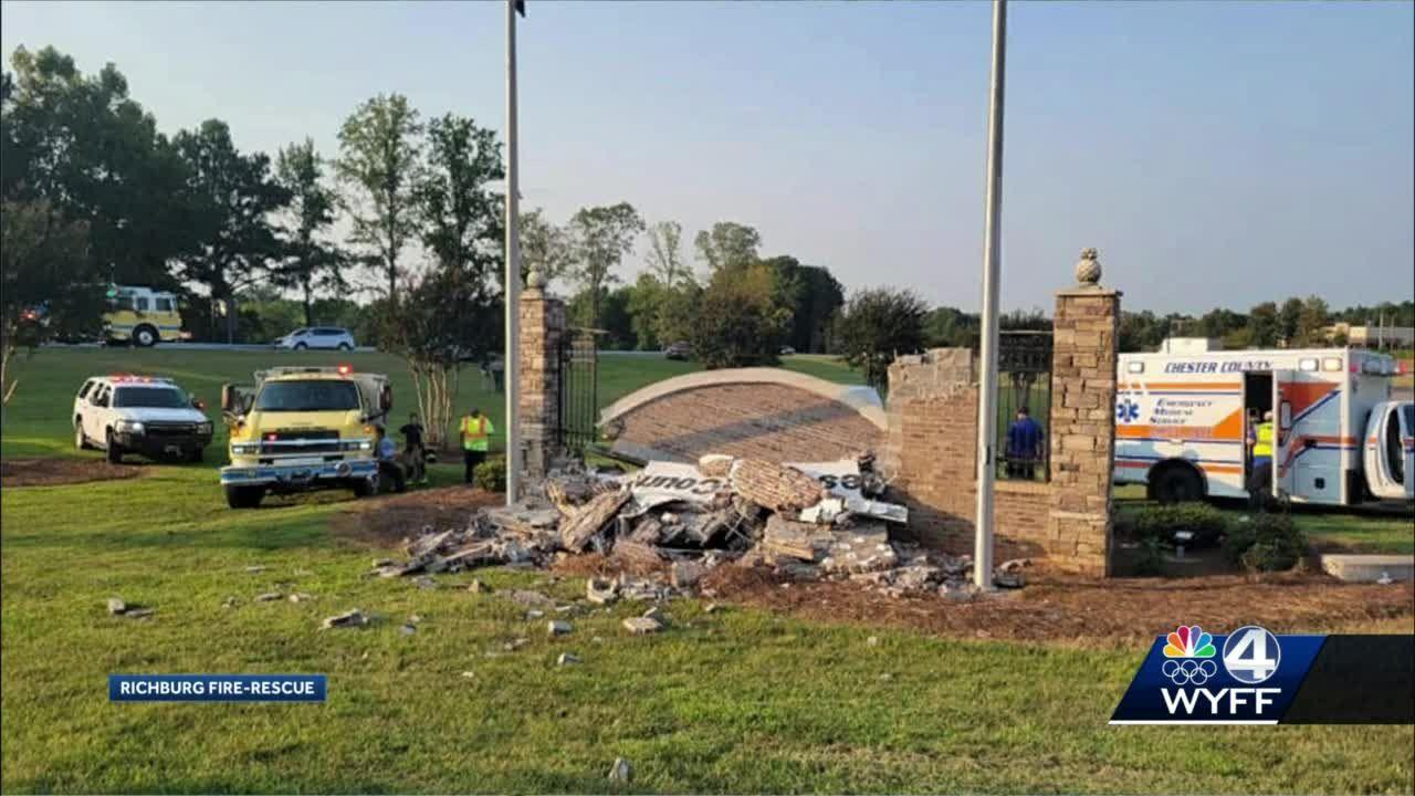 NC man dies after crashing into county welcome sign in SC