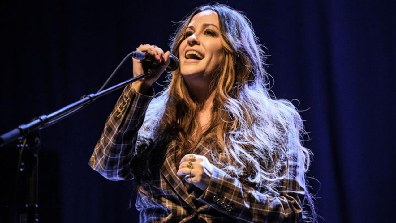 Alanis Morrisette Says HBO's 'Jagged' Doc 'Was Not the Story I Agreed to Tell' | THR News