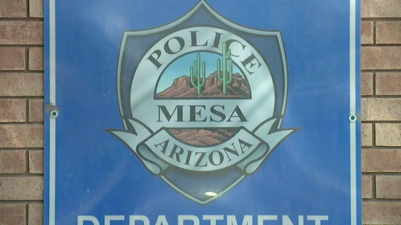 Suspect escapes Mesa police custody while being booked in handcuffs