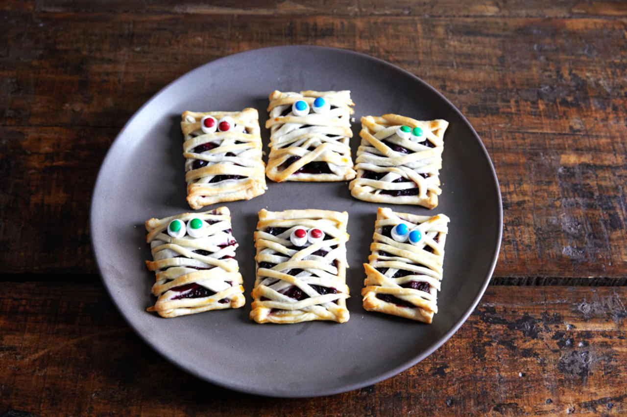 Mummy Hand Pies Are a Berry Frightening Treat You Should Make This Halloween