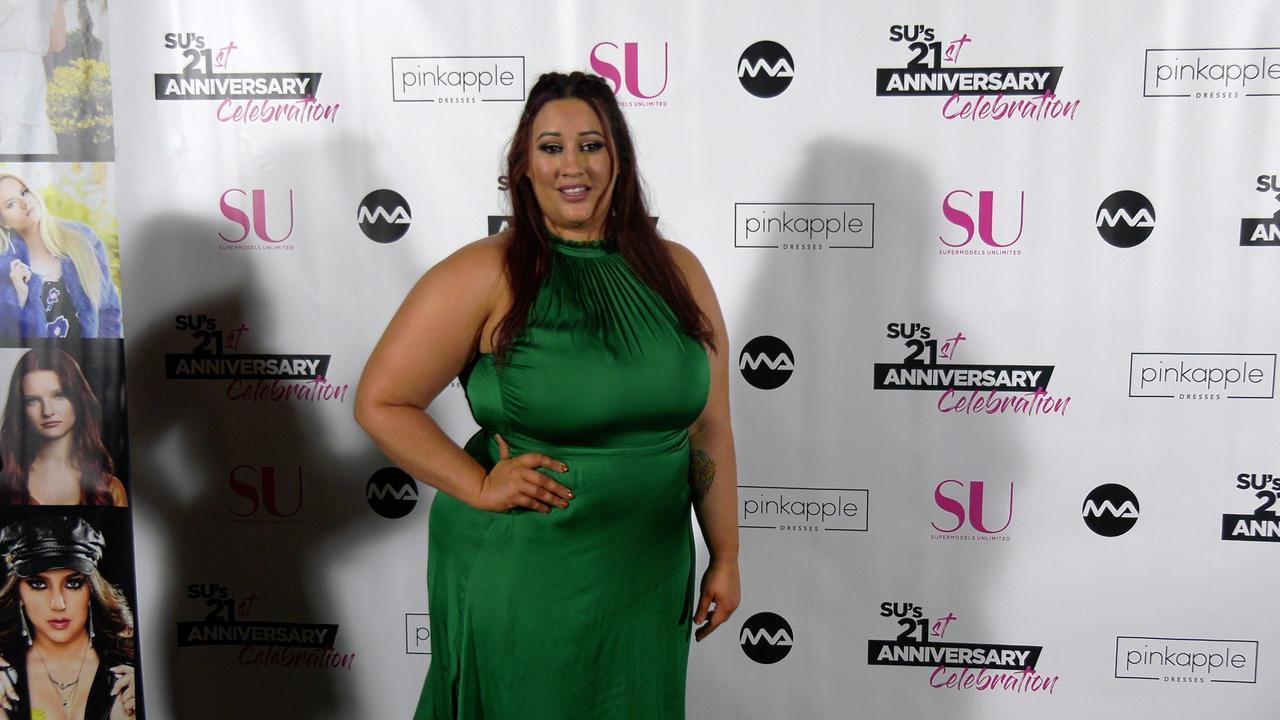 Jennifer Stanga 'SU Magazine's 21st Anniversary Celebration' Red Carpet Fashion