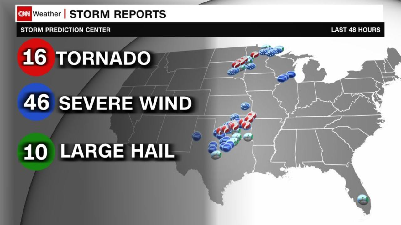 Tornado threat shifts towards the Midwest