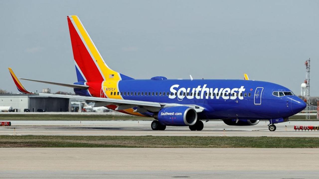 Southwest customers react to mass flight cancellation