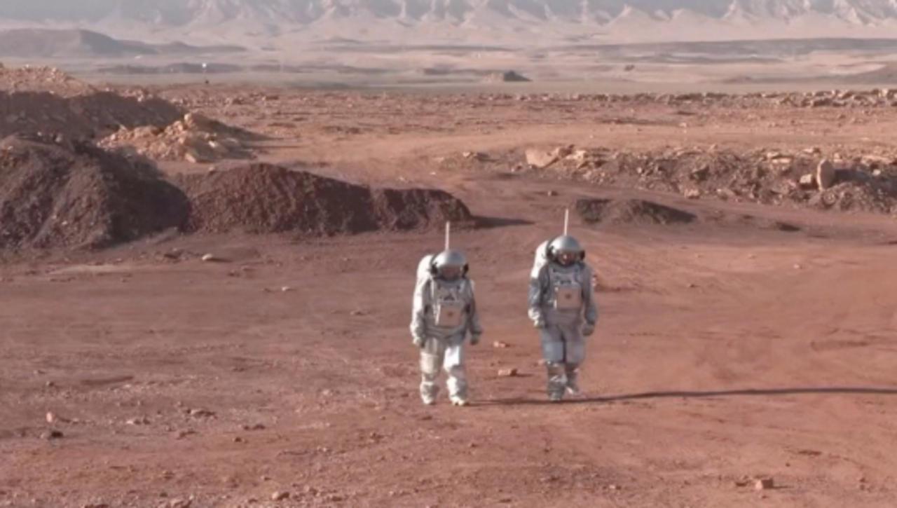 Scientists Simulate Martian Life in Israeli Crater Habitat