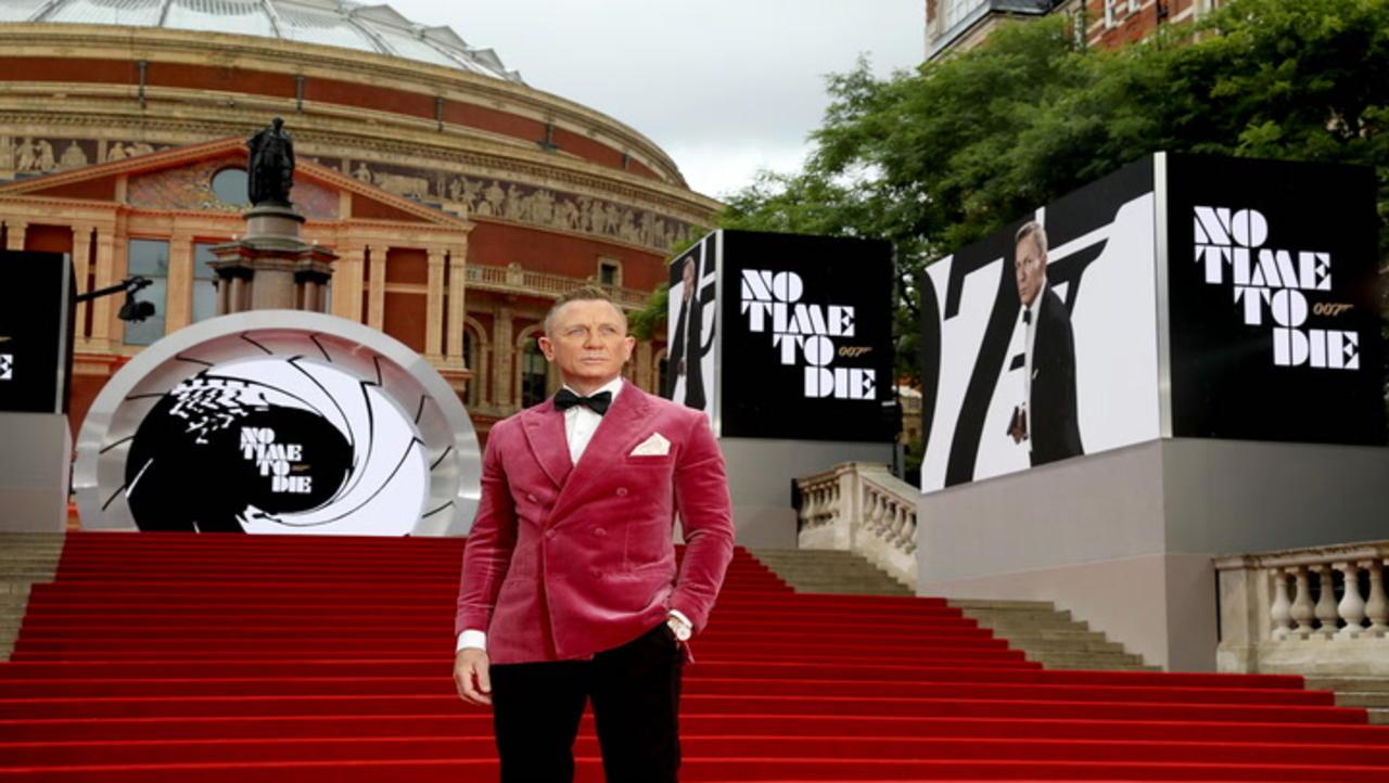 Talking Bond(s) ... and James Bond