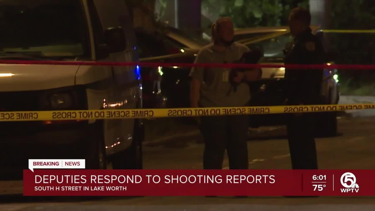 Lake Worth Beach burglary ends in shooting, deputies say