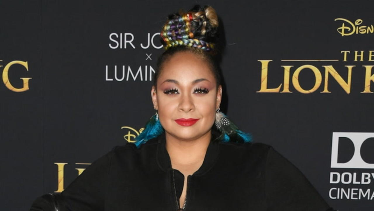 """Raven-Symone Explains Why She Felt She Was """"Catfished"""" When She Joined 'The View'   THR News"""
