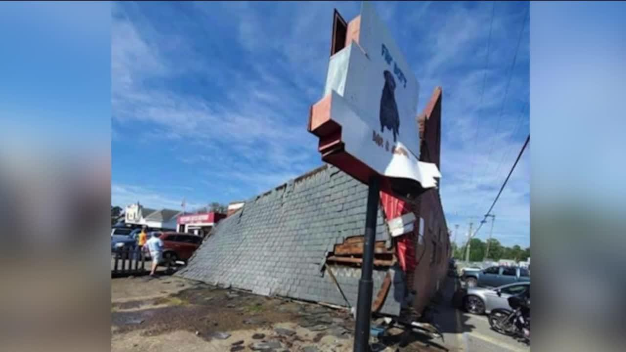 No injuries  after roof collapses at Fat Boy's Bar & Grill in Sandston