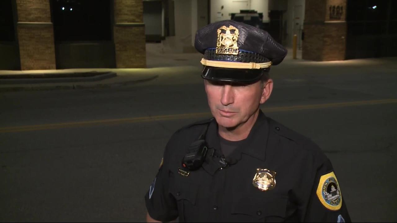 Iowa police shoot woman who allegedly wielded knife